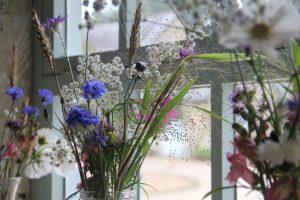 October-wedding-table-arrangements
