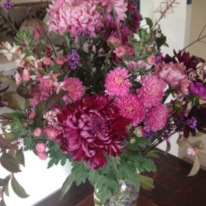 Autumn-chrysanthemum-arrangement
