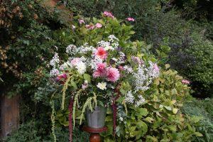 Autumn-wedding-pedestal